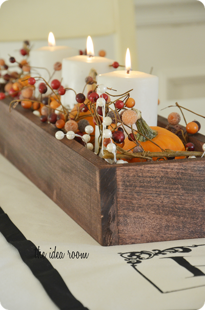 perfect fall centerpiece for a long table