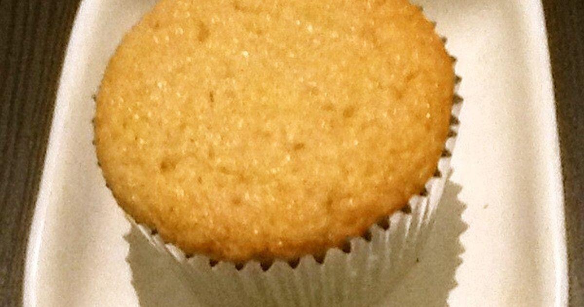 グルテンフリーでりんごとシナモンの風味たっぷり。軽い食感のカップケーキです。