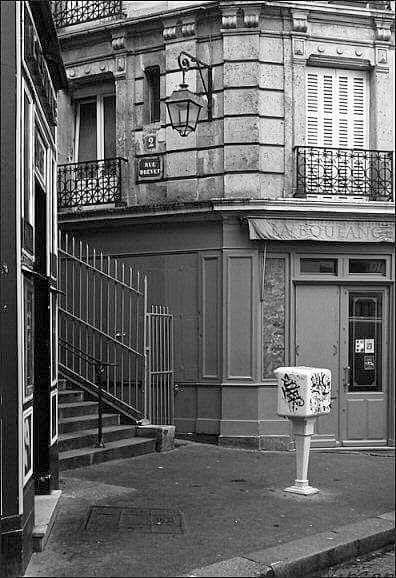 6000c687bc36 Paris de mes Amours album L escalier de la rue Drevet Paris 18ème ...