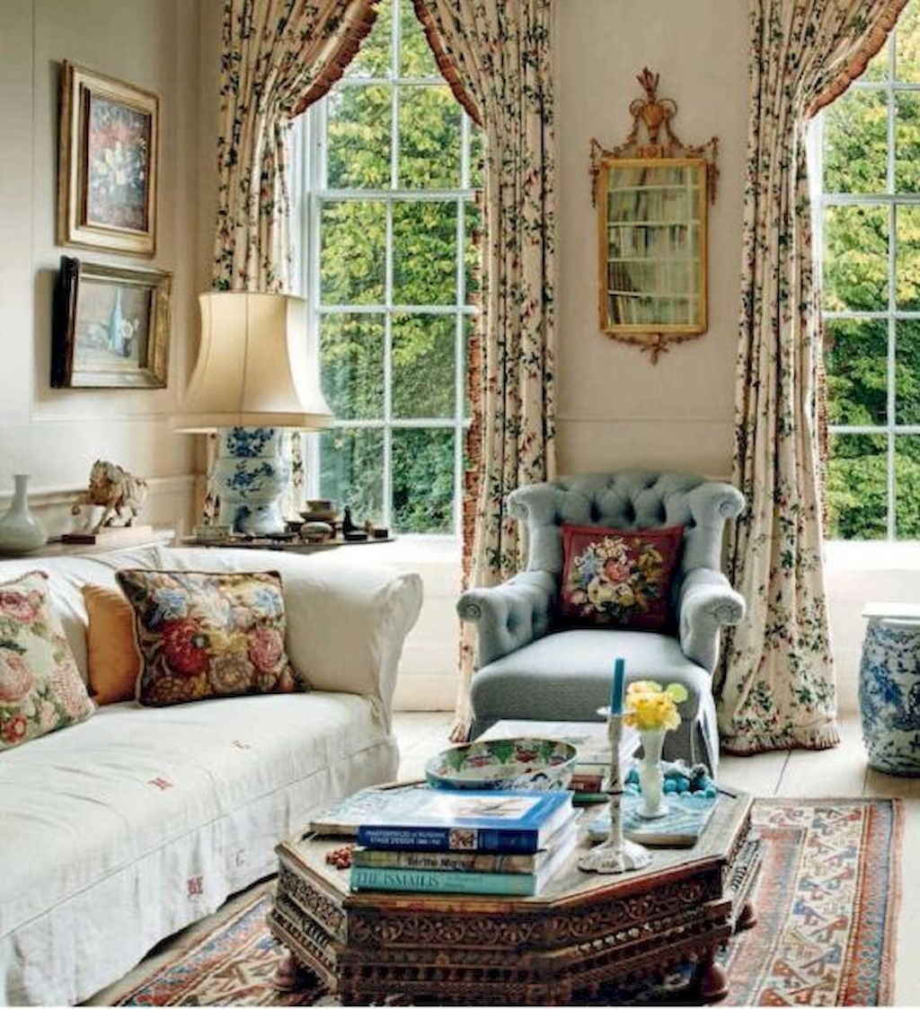 French Country Living Room Furniture & Decor Ideas (70