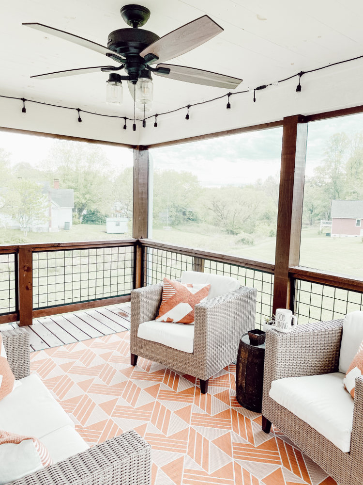 Styling a Screened In Porch #outdoor #outdoorrug #outdoorpillows #porch #porchdecor