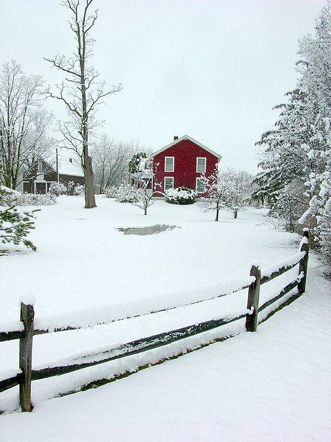 https://flic.kr/p/Fywqv | red house in the robin snow