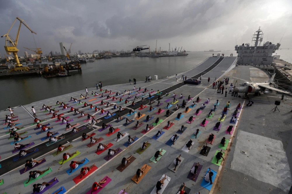 International Yoga Day Celebrated By Indian Navy In Mumbai New York Post International Yoga Day Yoga Day Yoga