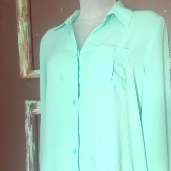 Mint beautiful boutique blouse Mint blouse bought at local boutique. Martini Tops Button Down Shirts