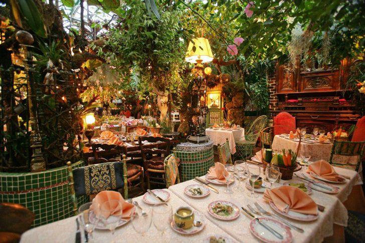 Mas Provencal S Secret Garden Offers Diners An Explosive Botanical Experience Provence Garden Secret Garden Garden Cafe