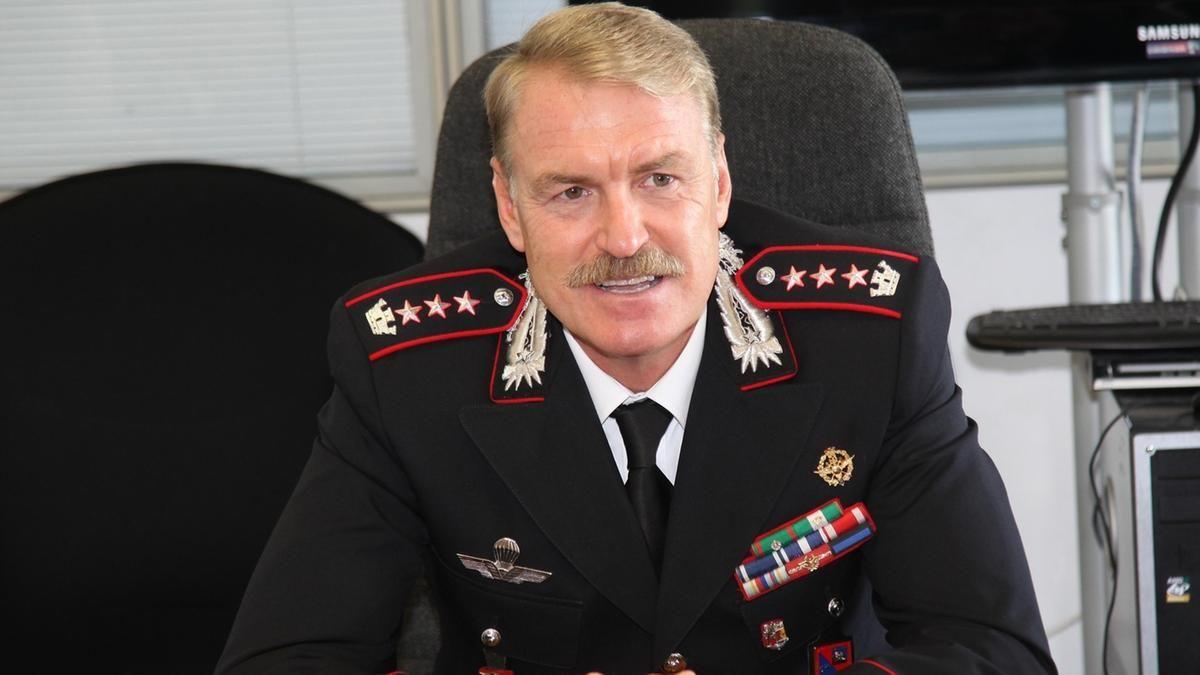 「carabinieri robe」の画像検索結果