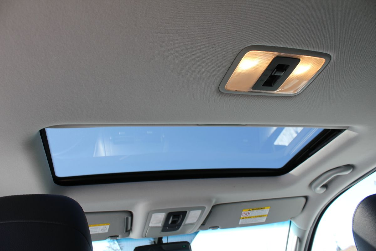 Power Sunroof (With images) Luxury packaging, Passenger, Awd