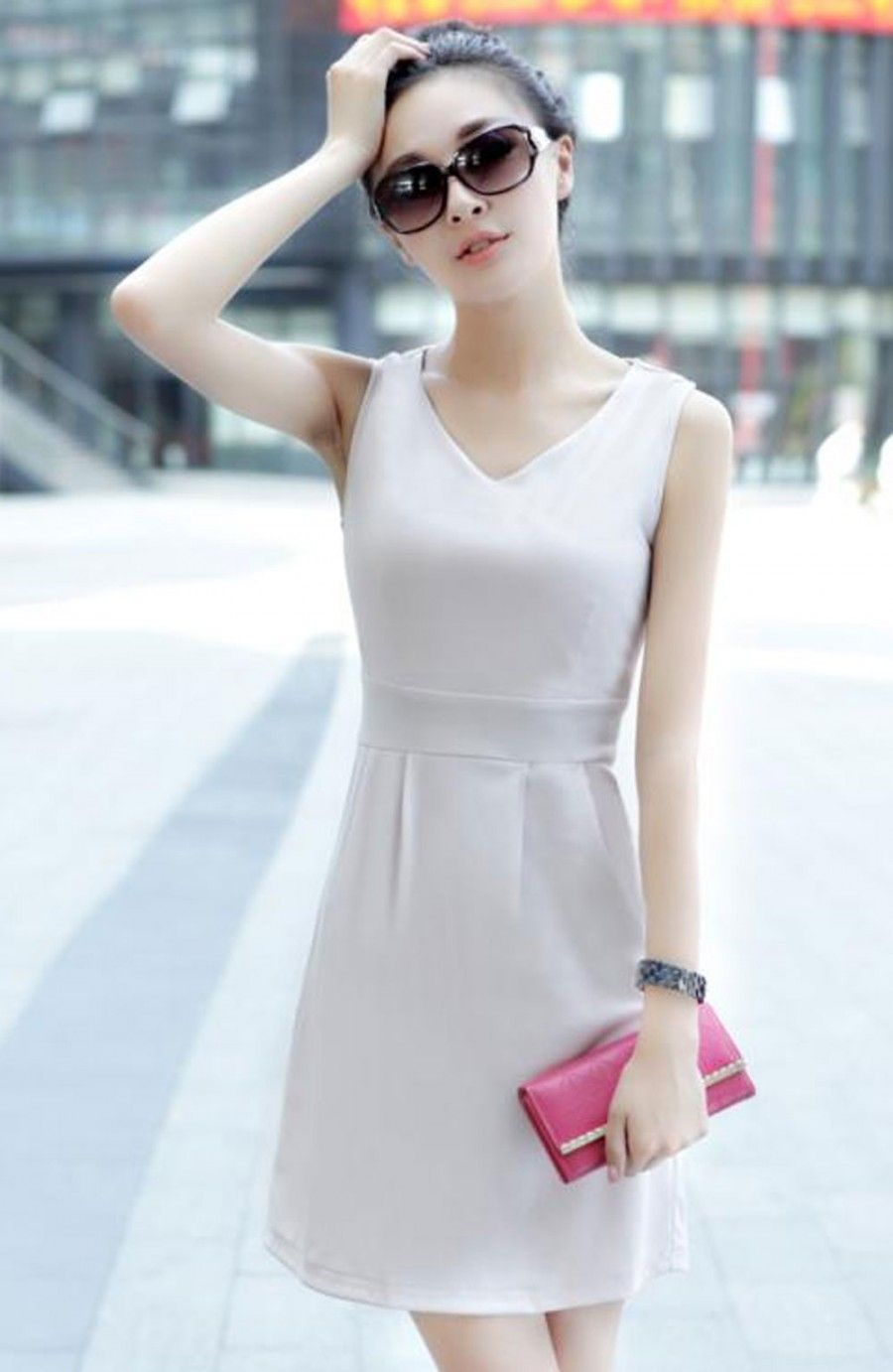 V-neck sleevless dress with pleates in the bottom  [Rs3,100.00]