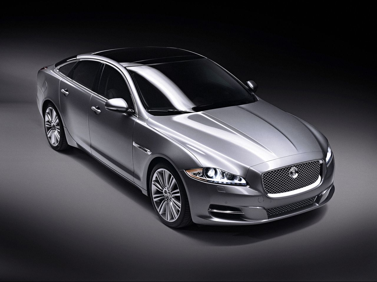 jaguar xfbut i have to have it in the cocoa brown