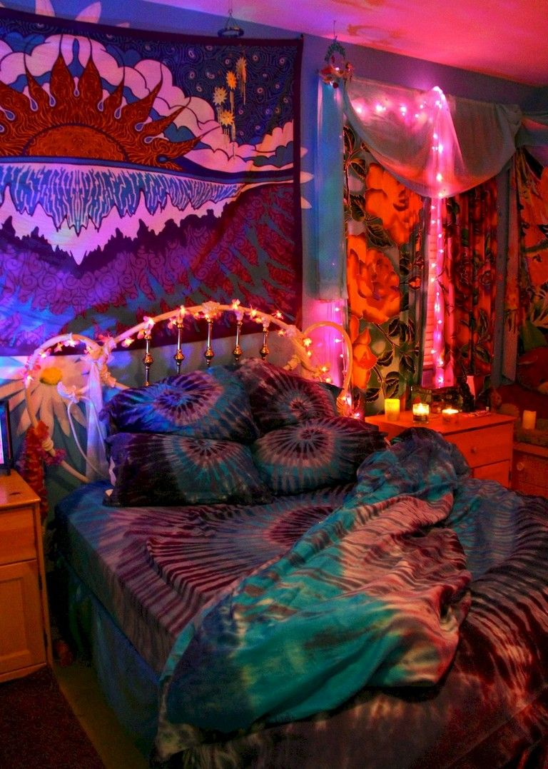 89 Cozy Romantic Bohemian Style Bedroom Decorating Ideas Bohemianstyle Bedroomdecorating Be Hippie Bedroom Decor Hippie Room Decor Bohemian Bedroom Decor