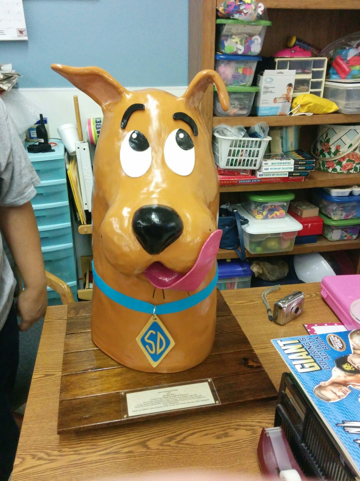Paper mache scooby doo made by room10 crafts pinterest paper craft paper mache jeuxipadfo Images