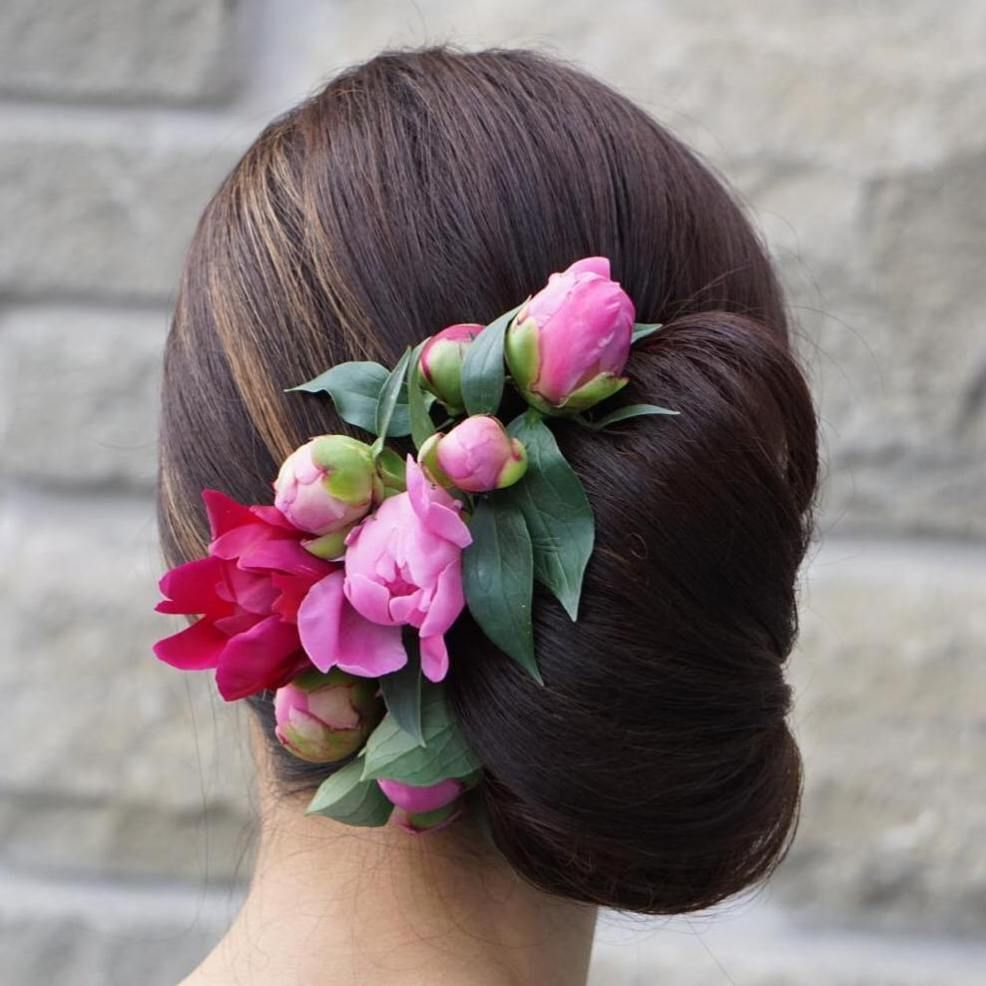 40 Casual and Formal Side Bun Hairstyles for 2019 images