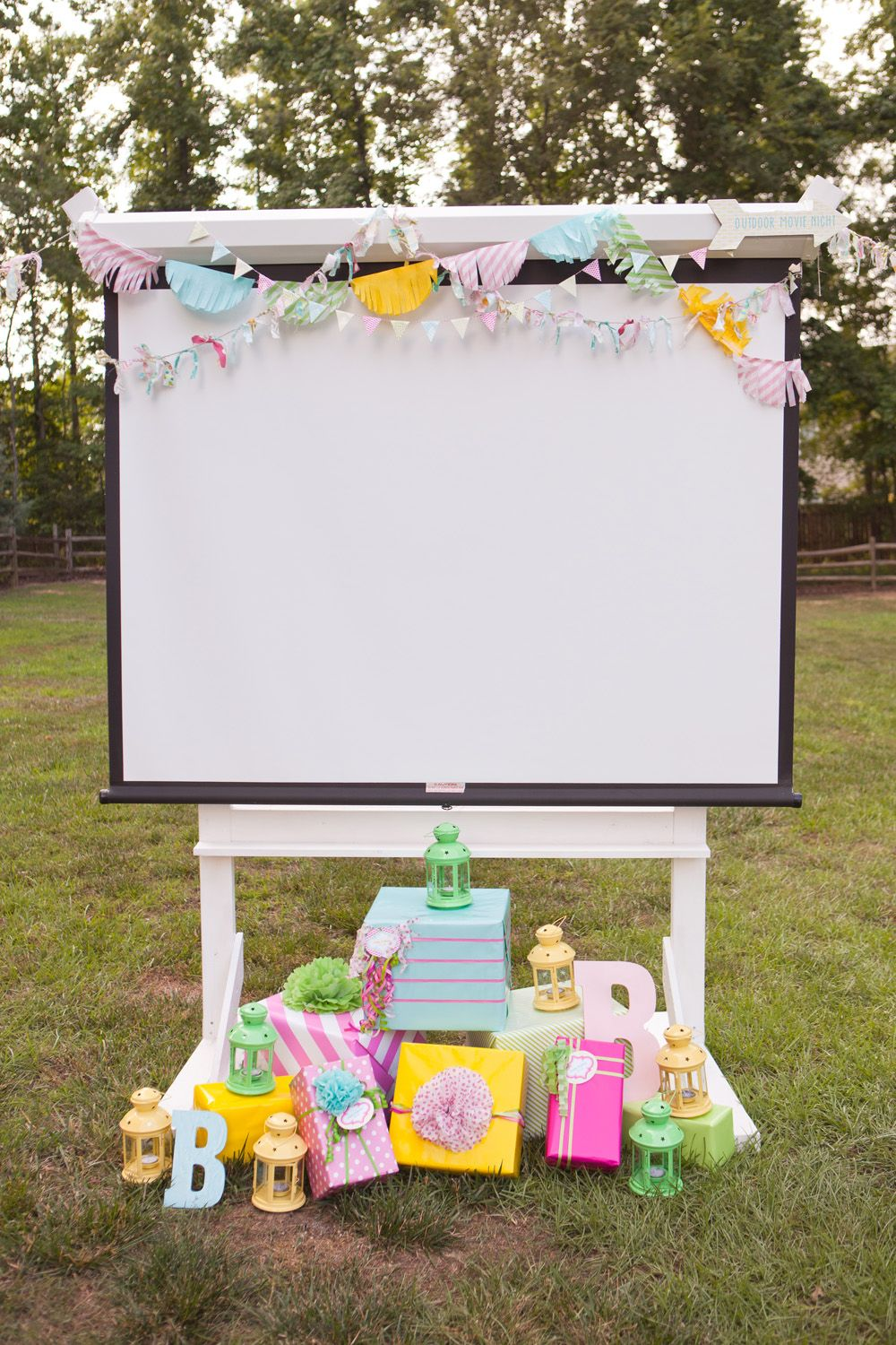 Movie screen with gifts | Home Ideaa | Pinterest | Outdoor movie ...