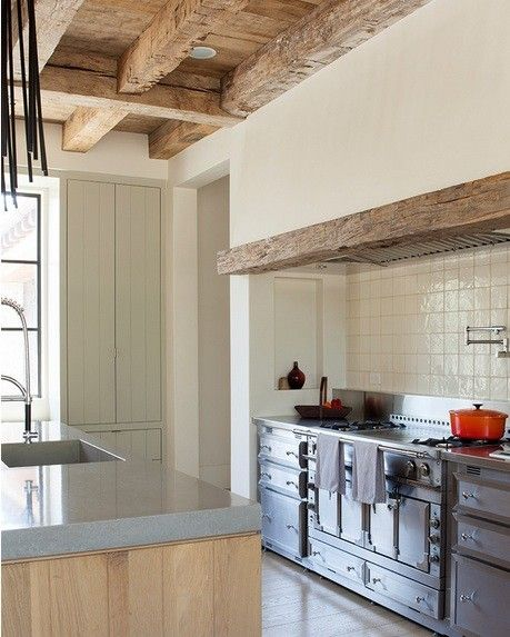 Architect Ken Lindsteadt Added A Reclaimed Wood Trim To A