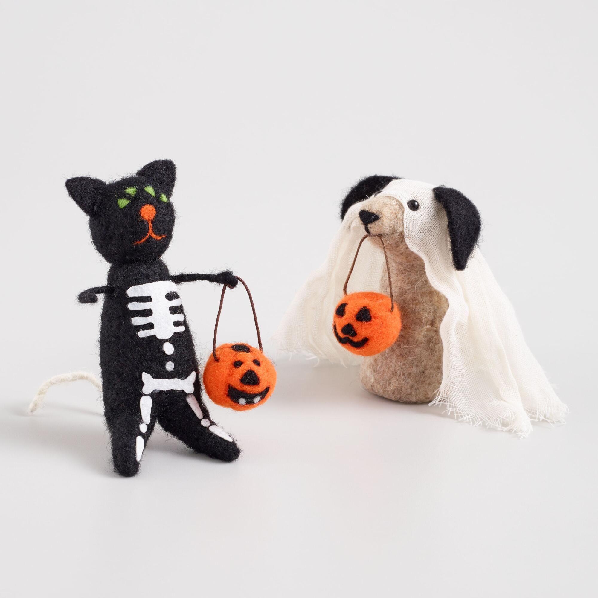 Felted Wool Dog And Cat Halloween Decor Set Of 2 By World Market Halloween Decorations Halloween Cat Halloween Entertaining