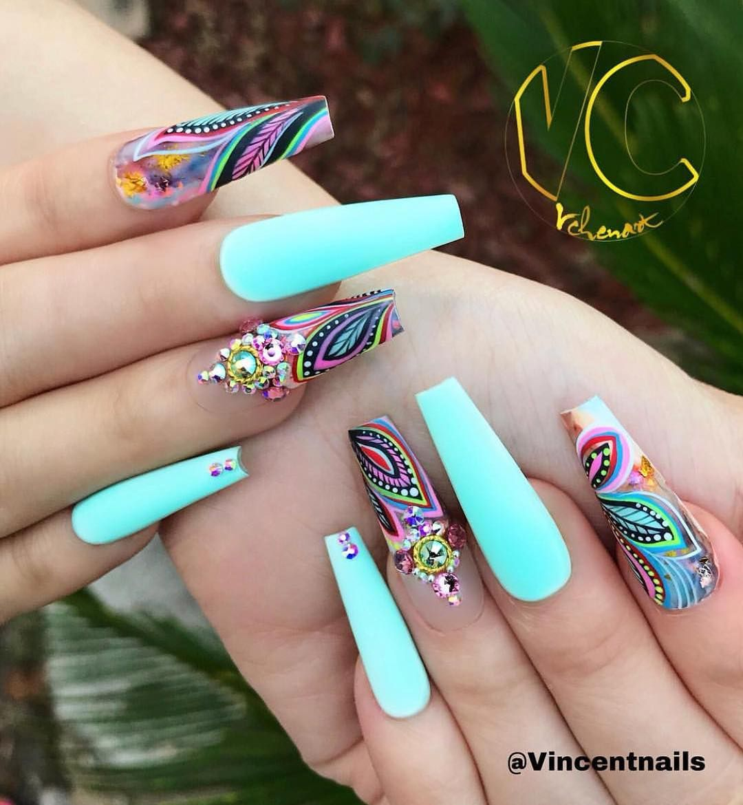 4 524 Likes 28 Comments Vina S Nails Vinanailshouston On Instagram It S Amazing Piece Of Art By Master Vincentna In 2020 Best Acrylic Nails Nails Nail Designs