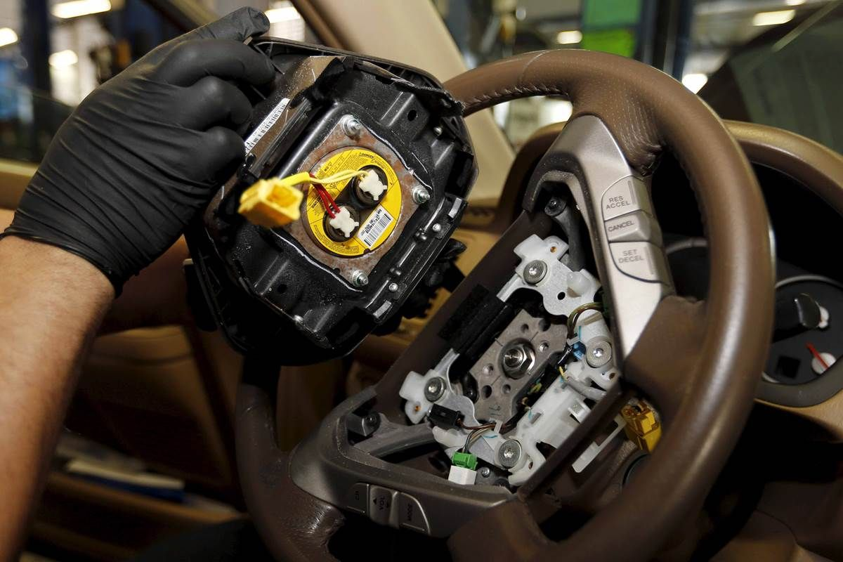 Millions of Recalled Cars Roam the Road, Potentially