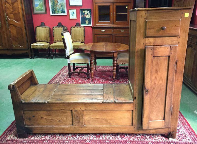 Antiquites Brocante Meubles Francais Au Vieux Chaudron Mobilier De Salon Mobilier De France Table Salle A Manger