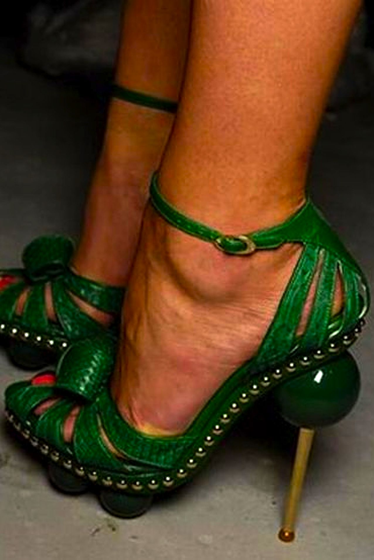 0defd16285 Christian Dior Green Shoes, Beautiful Shoes, Weird Shoes, Crazy Shoes, Me  Too