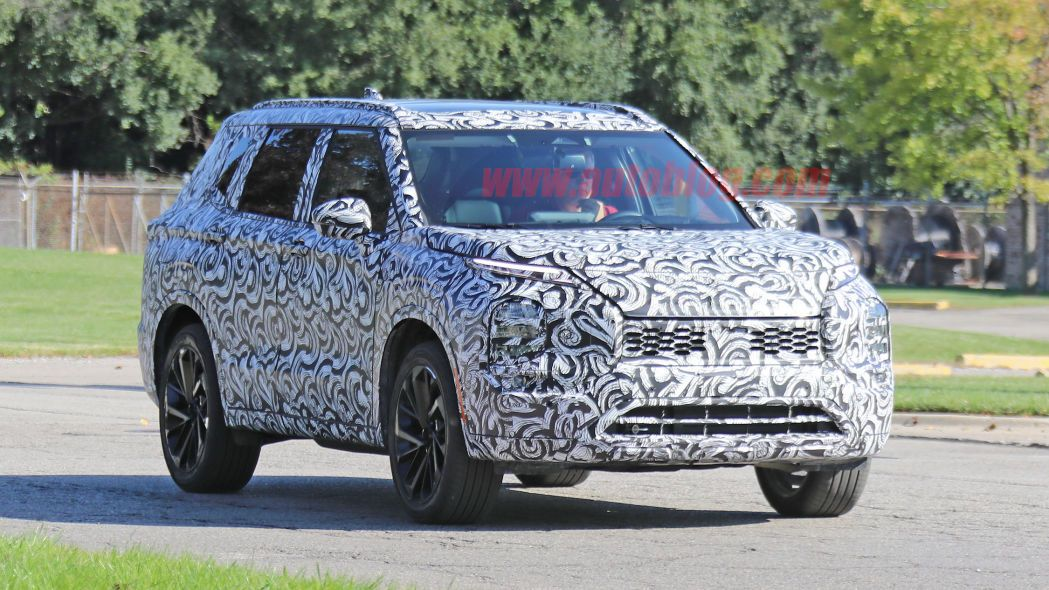 Mitsubishi plans two PHEV crossovers for 2020 (With images