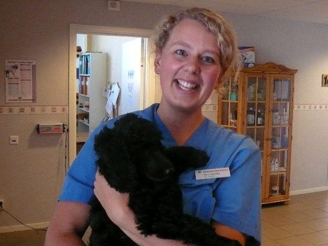 Vår glada veterinär Marit