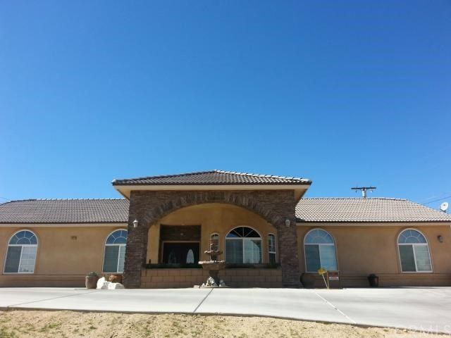 14520 Rodeo Drive Victorville Ca 92395 Real Estate Marketing House Styles Victorville
