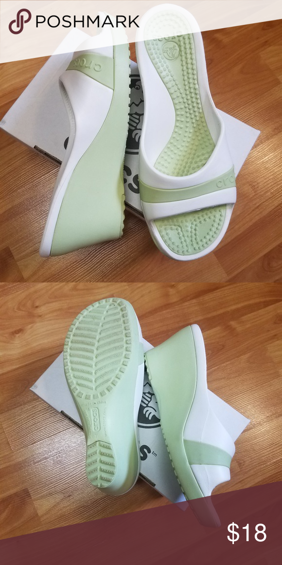 0b4512e48 Croc Sassari wedge mule green white size 7 Cute celery green and white Croc  wedge