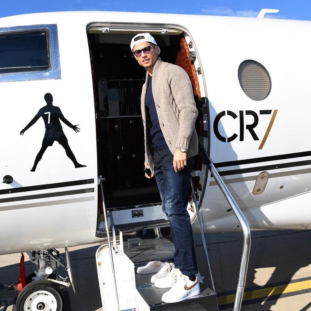 bd67c54f0a44 Cristiano Ronaldo is ready take a flight rocking his brand new Nike Air  Force One CR7