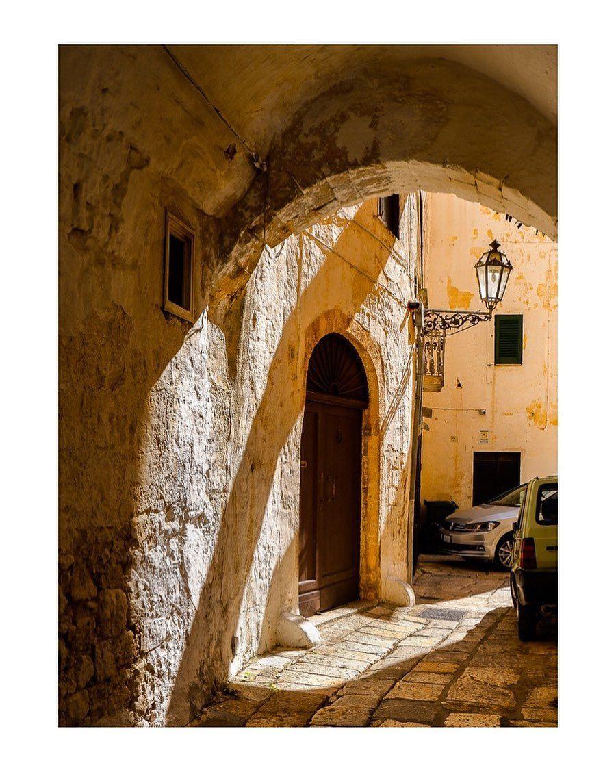 Arch Ostuni Puglia Italy  #Europe #Ostuni #puglia #travel#travelphotography #travelblogger #travelling #traveller #travelholic #travels #travellers #travelphoto #travelbug #wanderlife#puglia@fujixlovers