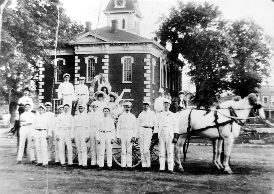 Talladega County Courthouse in Talladega, Alabama 1900