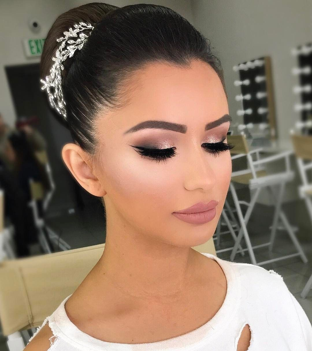 Bridal glam 💎 #vanitymakeup in 2020 | Wedding makeup for ...