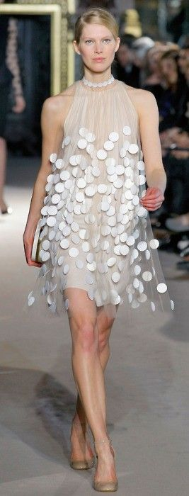 Short wedding dress with round petals
