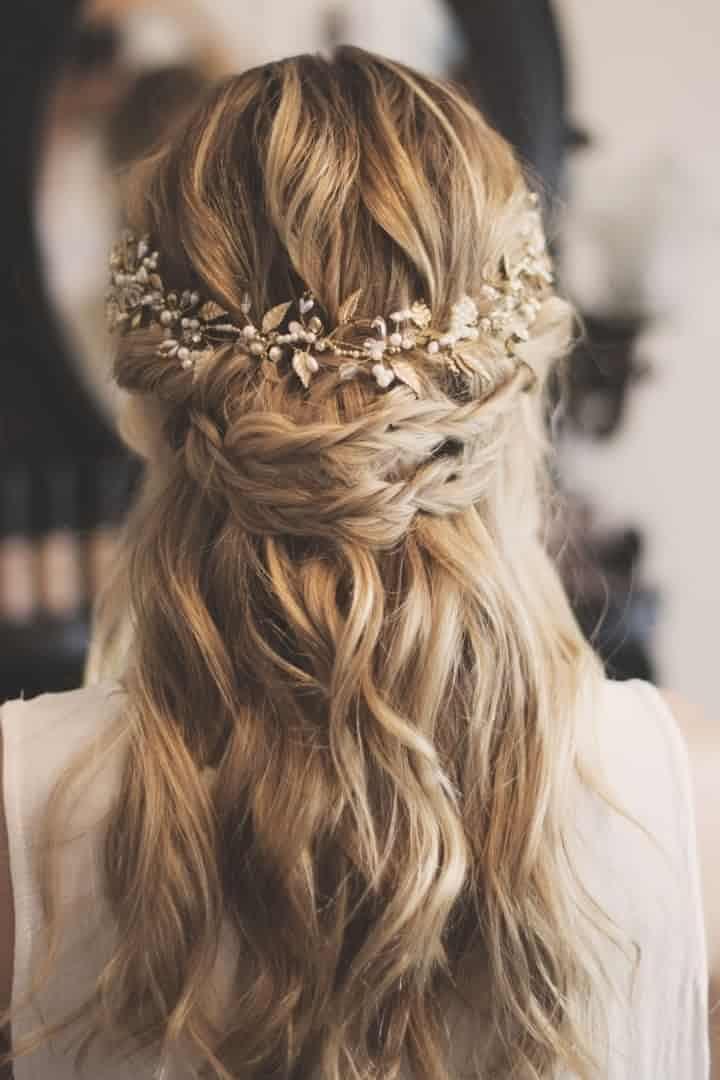30 Peinados Semirecogidos Para Novias El Equilibrio Perfecto - Tocados-para-semirecogidos
