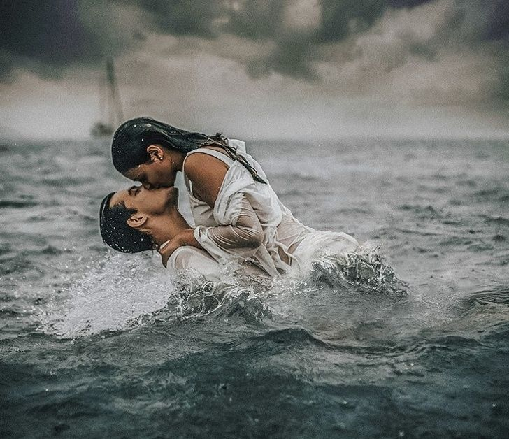 Rain on me. A Spanish Photographer Captures Passion of People in the Water, and We're Mesmerized