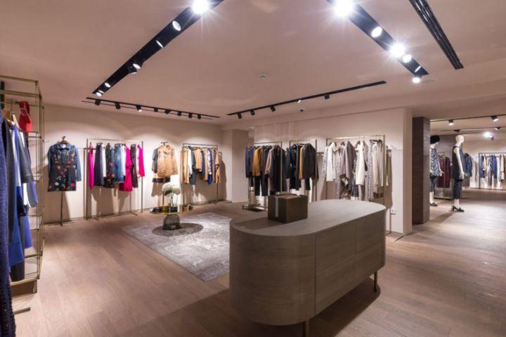 Max Mara Store In Zagreb Croatia Store Design Store Design Boutique Retail Design