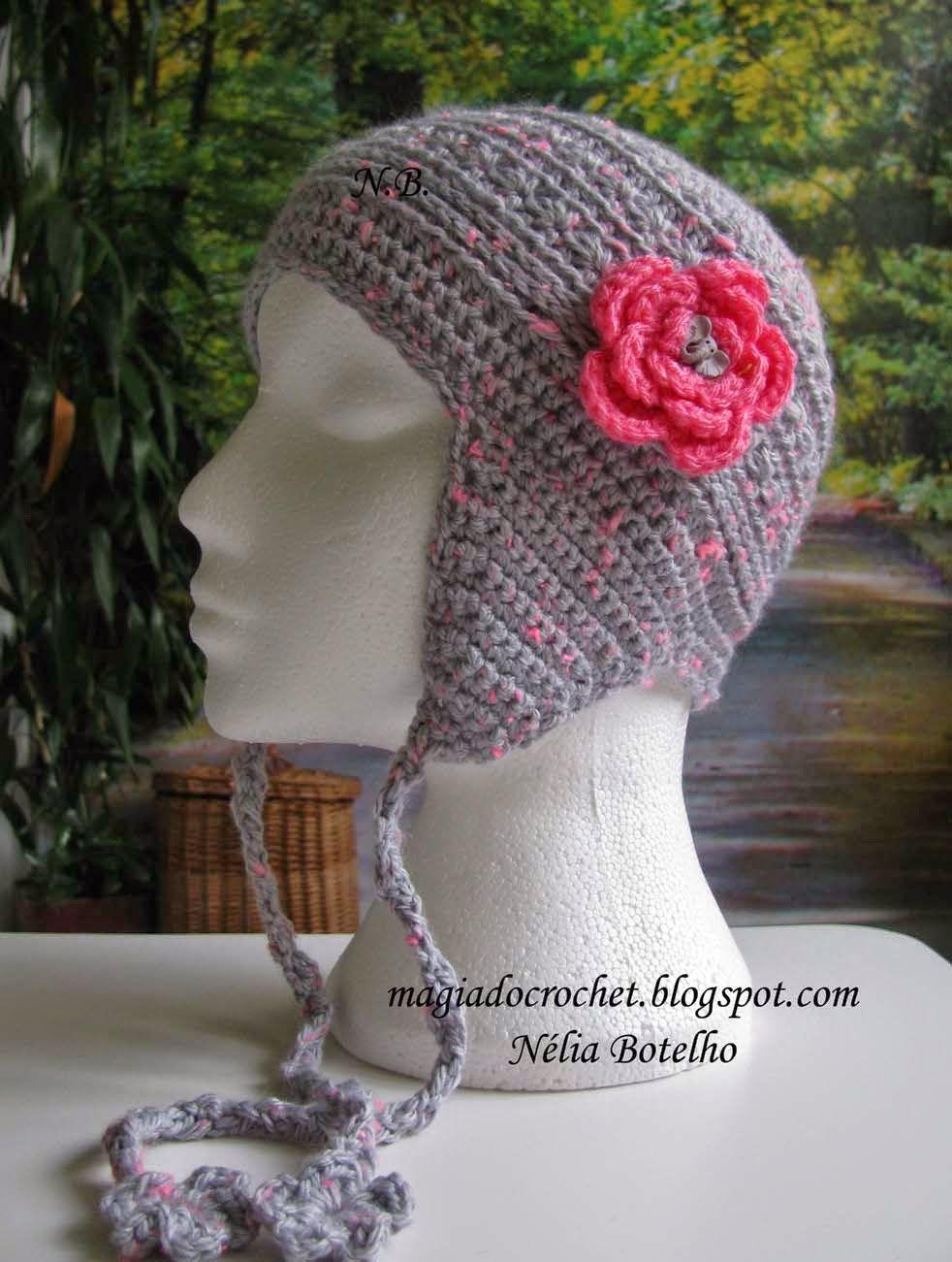 8eed3e62bb30d Gorro tapa orelhas em crochet para menina