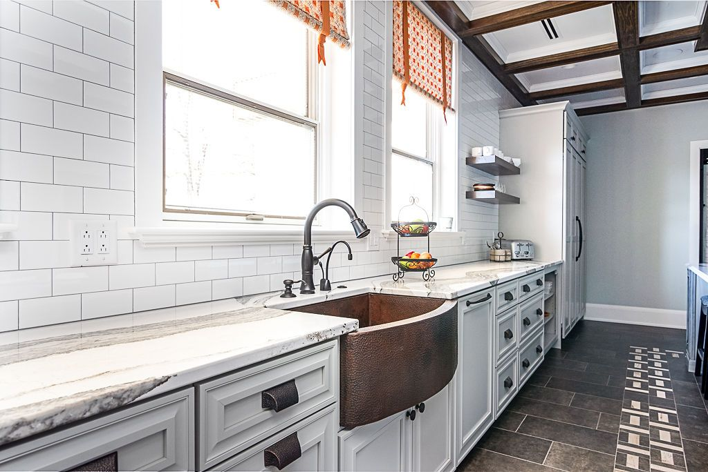 keeping it more cafeteria style with no upper cabinets but on kitchen shelves instead of cabinets id=66284