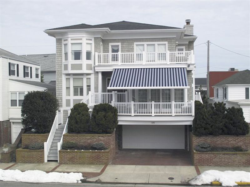 Retractable, blue Estate awnings for porches ...