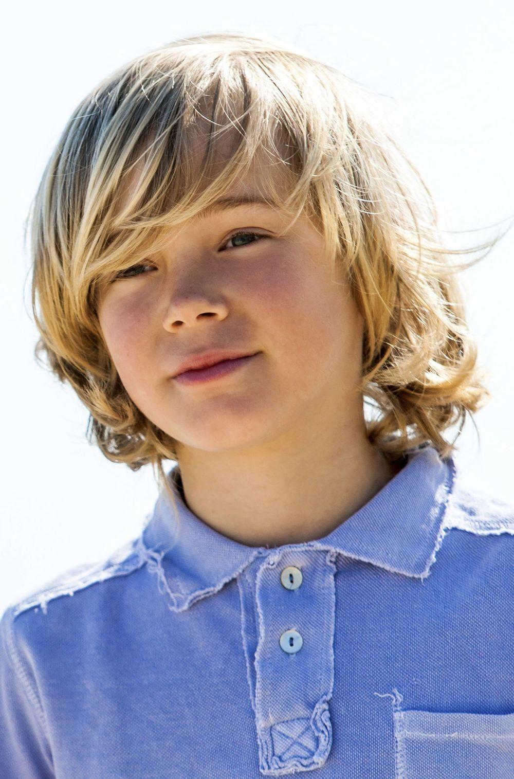 20 idées de coiffure pour enfant, fille ou garçon | Coupe cheveux mi long garcon, Coupe de ...