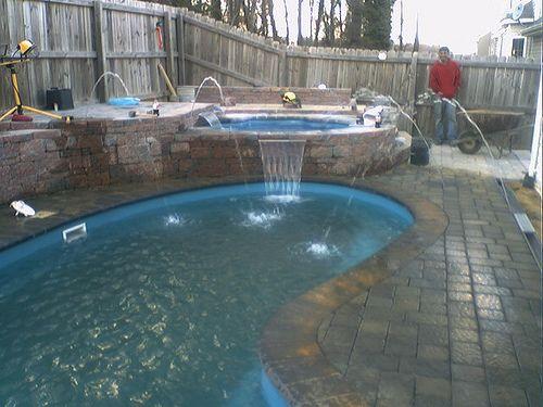 Kidney Pool With Elevated Hot Tub Spa Pool Kidney Shaped Pool Cool Pools