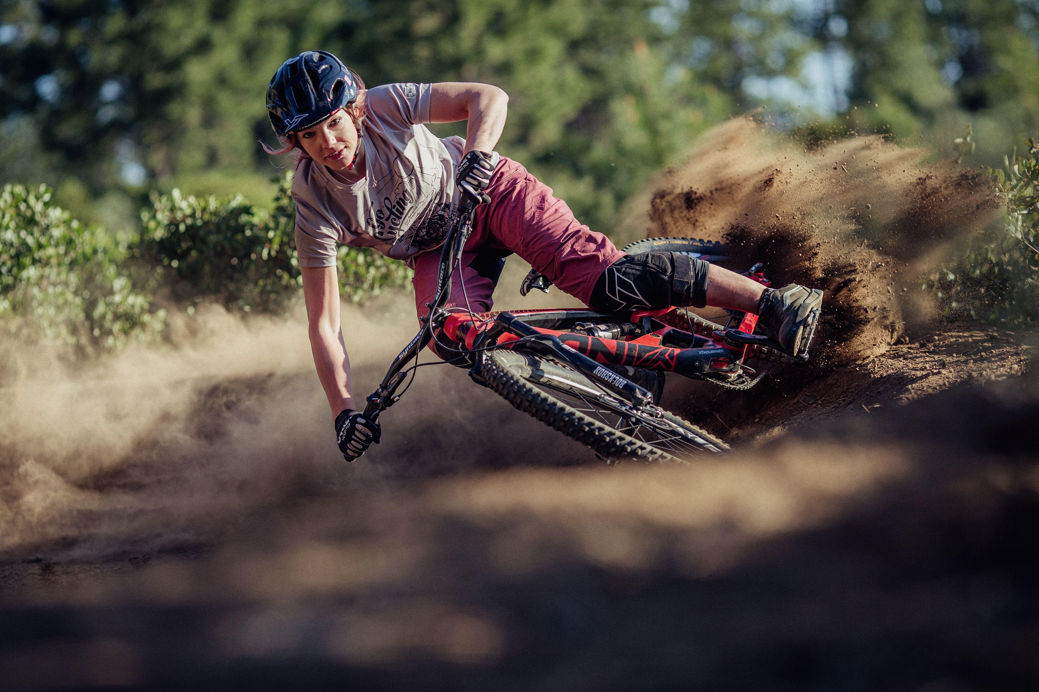 Mtb Freeride Women All Styles For Singletrails And Bikeparks