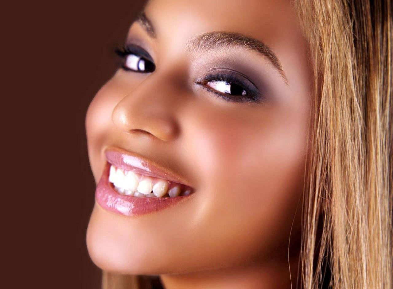 Beautiful Smile Wallpaper: Beautiful Beyonce Close Up Pretty Smile Picture Wallpaper