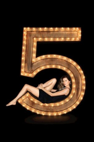 Chanel protects its N°5 fragrance; Vera Wang hires a figure skater as creative consultant