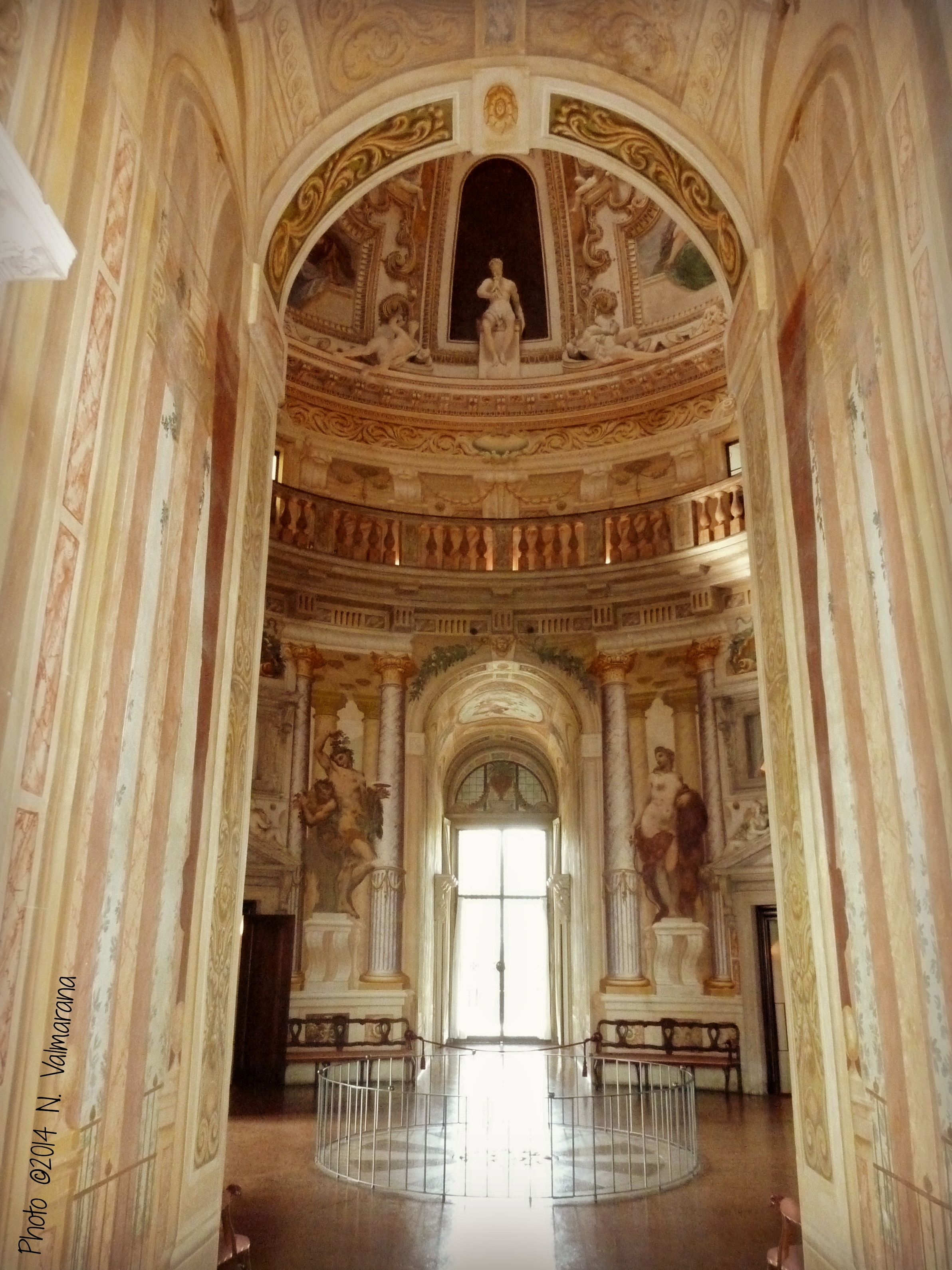 The center hall is the core of the greek cross plan the vast interior space is decorated with - Interior design vicenza ...