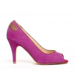 Love this suede pump