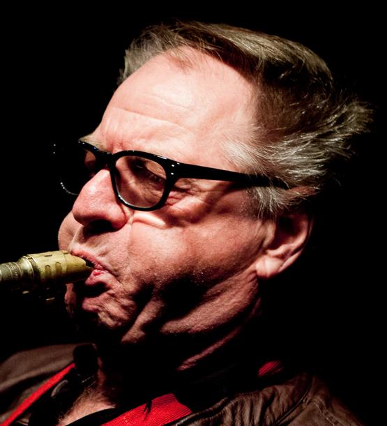 Hans Dulfer 28-05-1940  Nederlands saxofonist. Hij speelde met onder anderen Boy Edgar, Clous van Mechelen, John McLaughlin, Willem Breuker, Jan Akkerman, Herman Brood en Saskia Laroo. Hij is de vader van saxofoniste Candy Dulfer.  https://youtu.be/T7N2u6TXMzQ