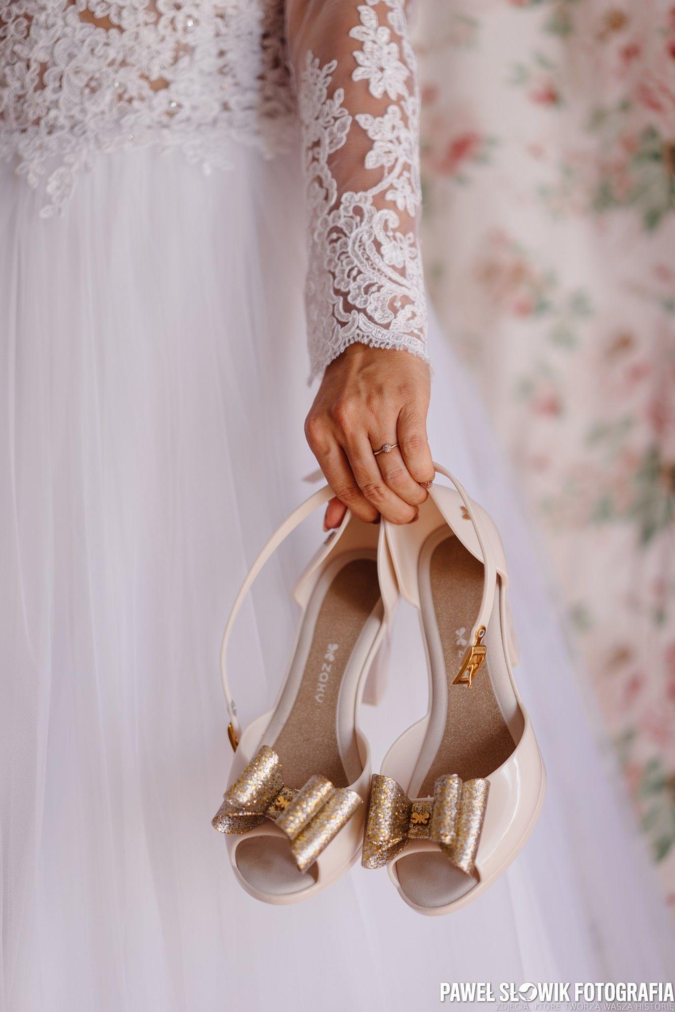 Pin By Pawel Slowik On Zdjecia Slubne Pomysly Wedding Shoe Shoes Wedding
