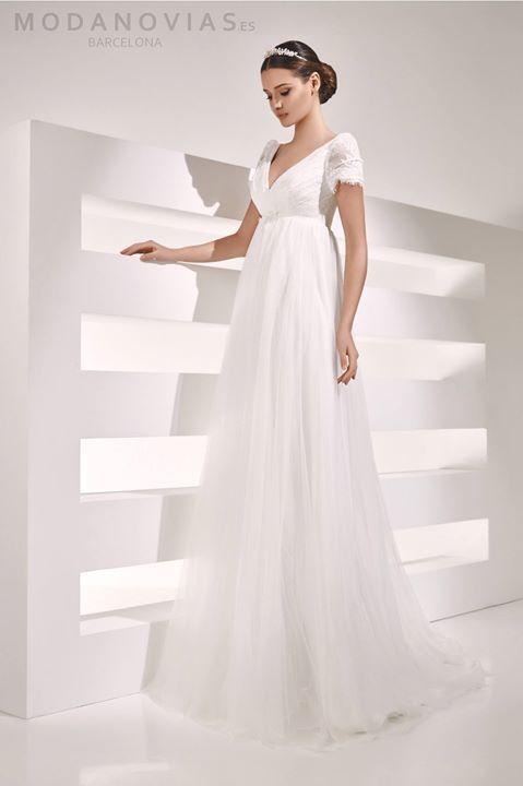 Vestido de novia AIRE en color marfil de tul suave y encaje en ...