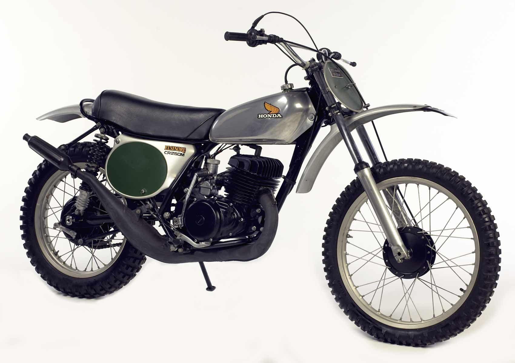Honda Siap Lahirkan Kembali Motor Jadulnya Honda Elsinore Honda Honda Bikes Classic Motorcycles
