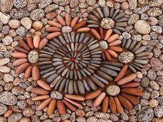 Arte con piedras y hojas - Friki.